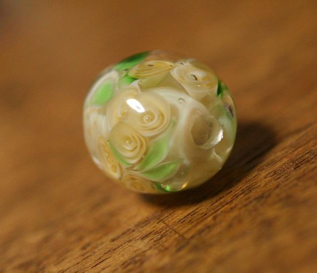 アウトレット glass beads (とんぼ玉)黄モッコウ薔薇風/ルナ