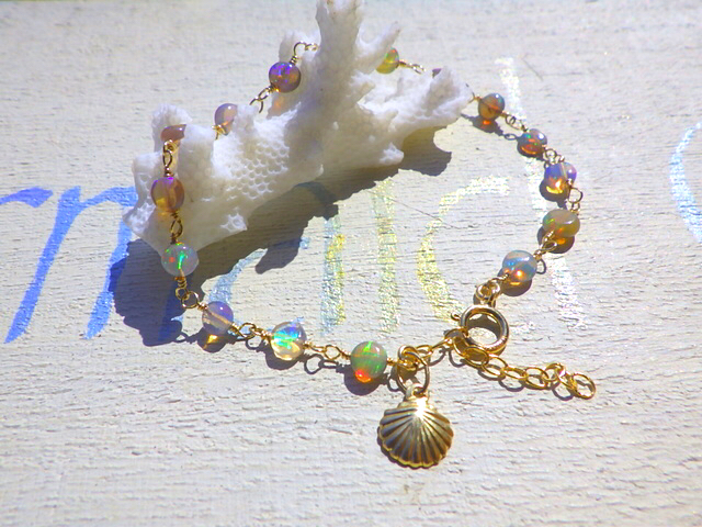 Opal with Shell Mermaid Bracelet  14kGF