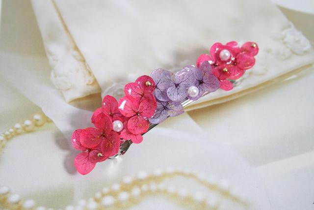 あざやか紫陽花のバレッタ