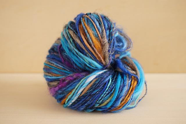 100g  -見習い魔女のペンダントトップ-   ニット 手芸用ひも 編み物 ブレスレット