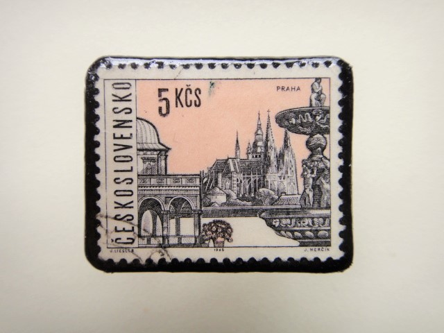 チェコスロバキア 切手ブローチ1322