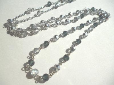 カットガラスのネックレス