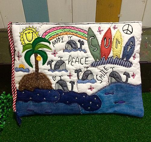 surfクジラ刺繍クラッチポーチ