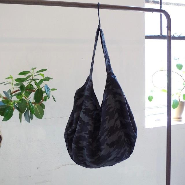 ワイドオープンプリントバッグ(black camouflage)