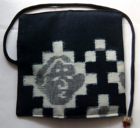 着物リメイク 絵絣のお布団側で作った和風財布 1649