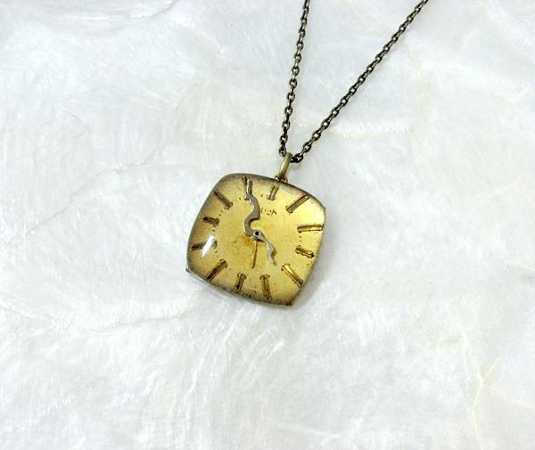 時計石の首飾り・弐