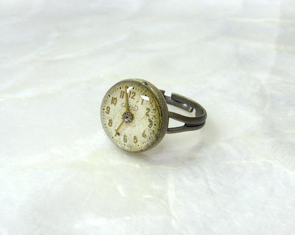 時計石の指輪・伍