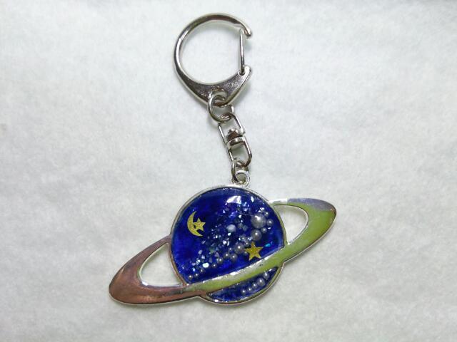 レジンの中の宇宙キーホルダー