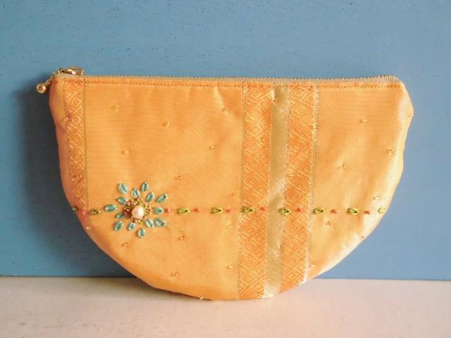 チュニジア布のハーフムーンポーチ(オレンジ)