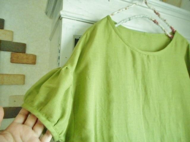 *m様オーダー品*wガーゼ・グラスグリーン色の肩落ちパフ袖チュニック