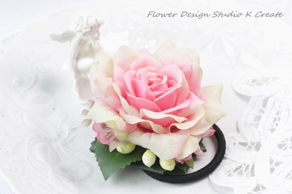 ロマンテックピンクの薔薇のヘアゴム
