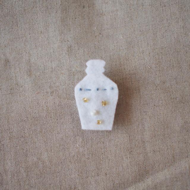 013 【nagasaKI NO KO】コンプラ瓶のブローチ