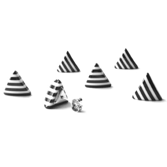 モノトーン  しましまトライアングル  白×黒 三角イヤリング   ▲△大人気!再販しました