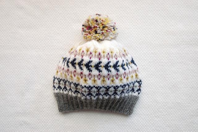 色いろいろ編みこみ模様  手編みのニット帽