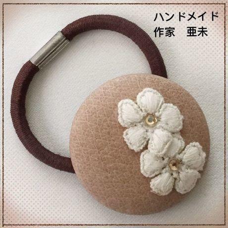 新春クリアランスセール★115 くるみボタンのヘアゴム