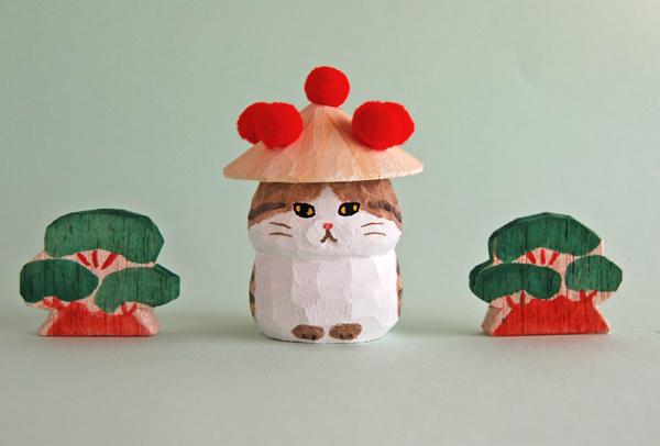 木彫り人形 花笠にゃん こげ茶トラ×白 スコティッシュ [MWF-199]