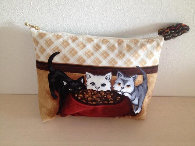 ネコのポーチ(全6種)『3匹の子猫』
