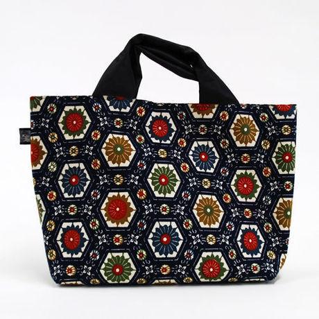 お花の柄が並ぶ帯バッグ
