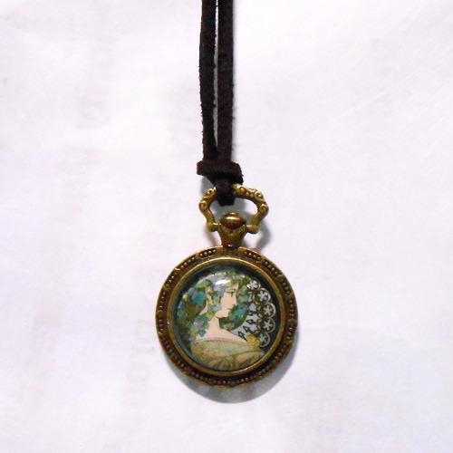 アルフォンス・ミュシャ「つたと月桂樹(つた)」のネックレス