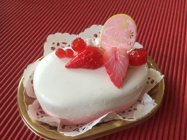 《受注生産》 苺のムースケーキメモス...
