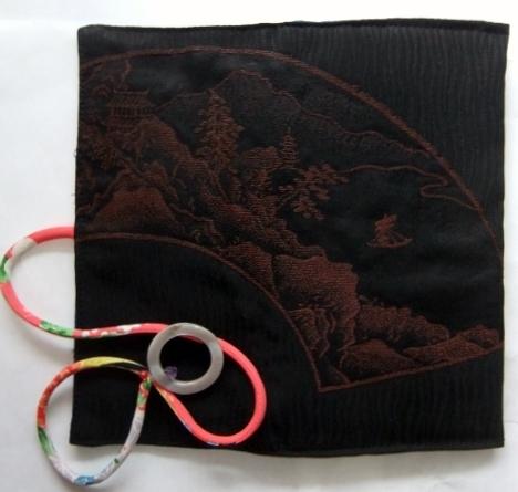 着物リメイク 漆織りの着物で作った和風財布 1676
