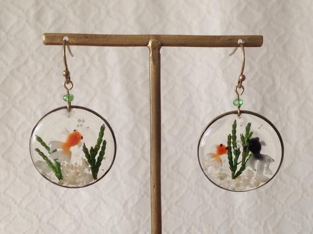 金魚鉢風のピアス(平面大・アシンメトリー)