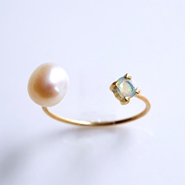 K18オパールと淡水真珠のフォークリング 〜Hely