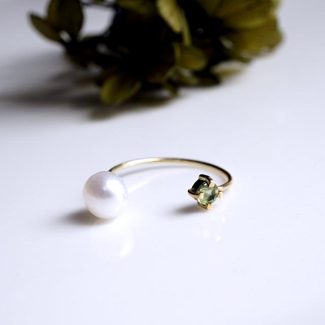 K18ペリドットと淡水真珠のフォークリング 〜Tuomi