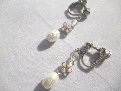 【SALE】シュガーパール・お花のメタルループ・チェコビーズのイヤリング