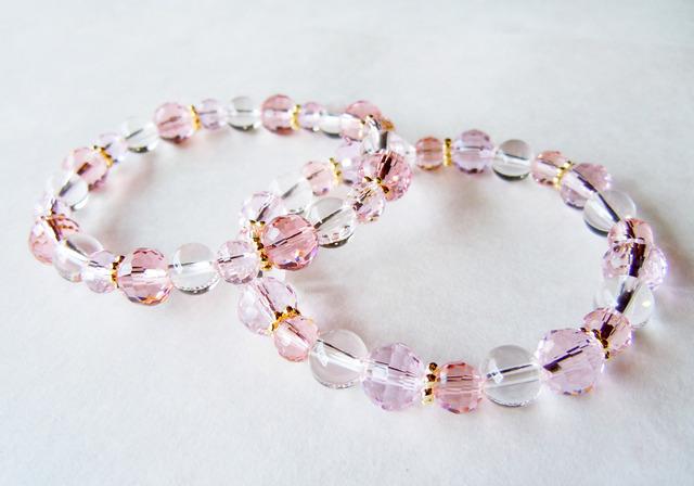 2色のピンクのきらきらブレスレット