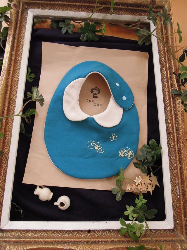 ★new  衿付きちょうちょモチーフ刺繍スタイ ダブルガーゼ turquoise blue