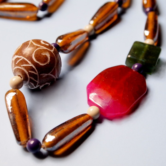 Fuchsia Stone Nacklace