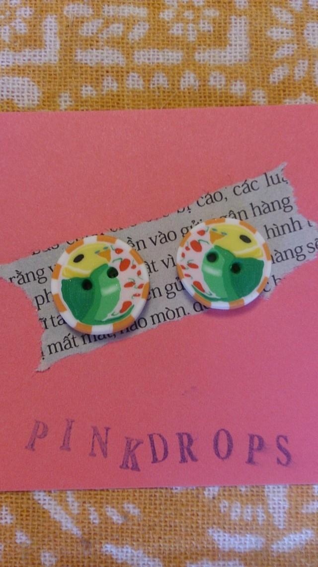 ☆春のインコ祭り☆セキセイインコ(グリーン)のボタン 小オレンジボーダー