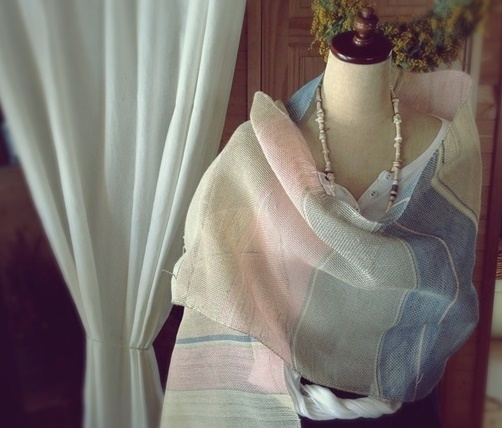 手織り リトアニアリネン糸 とラミー糸のストール