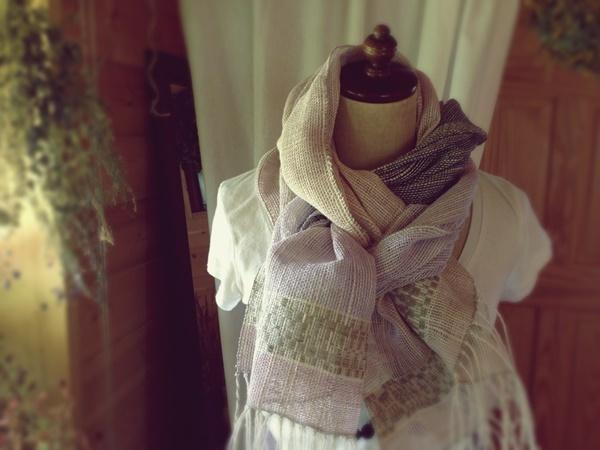 手織り リトアニアリネン と色々な植...