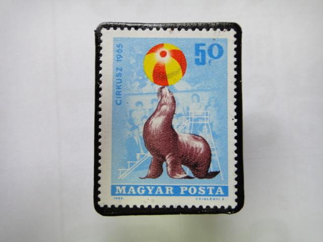 ハンガリー 切手ブローチ1356