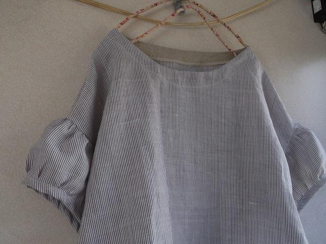 リネンパフ袖ワンピース(1点のみ)