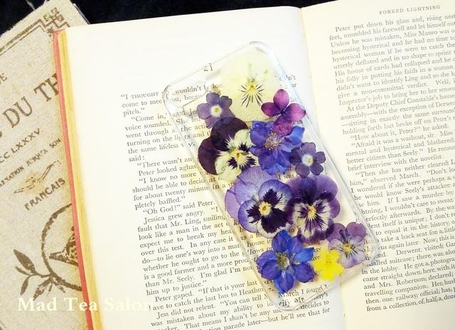 濃い色ビオラと紫花のiphone5.5sカバー