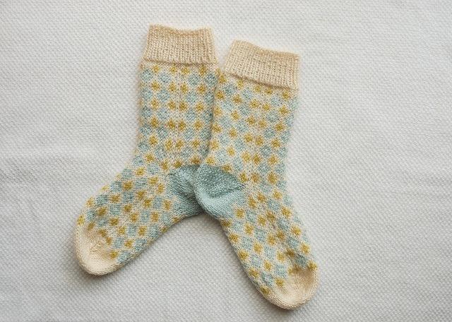 手編みの靴下 【ダイヤ×クロス】