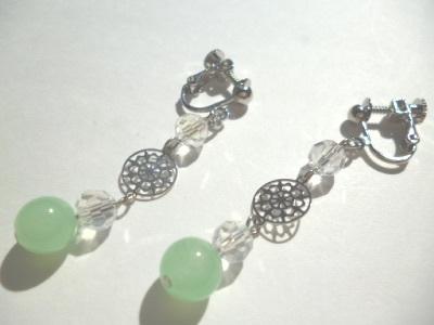 カットガラス・メタルパーツ・カルセドニーのイヤリング