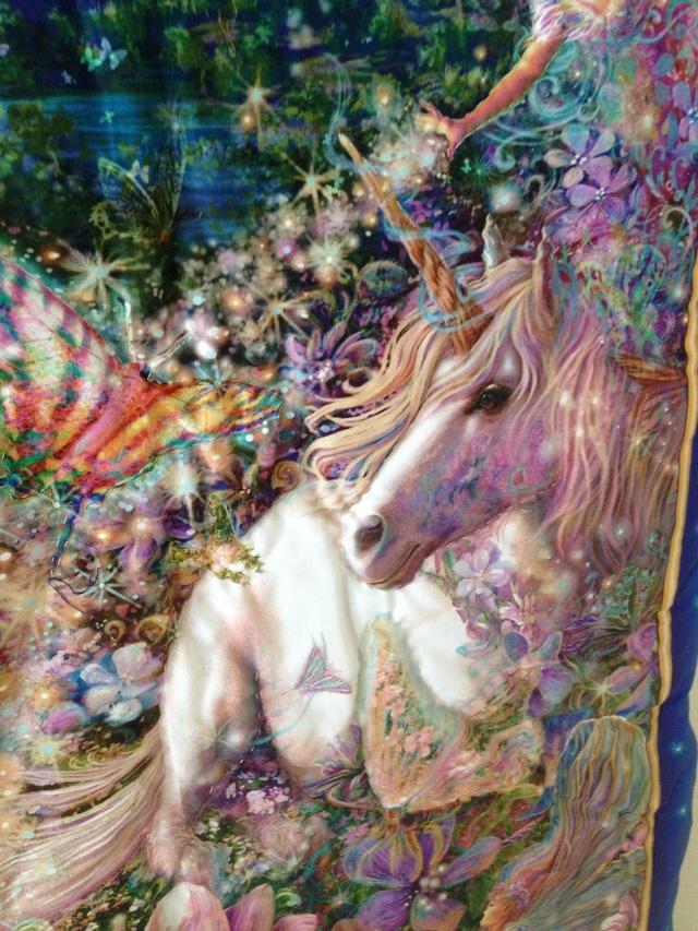 世界で1枚だけのタペストリー『ユニコーンと妖精の国』