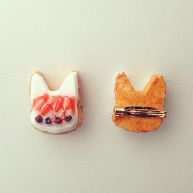 ねこレアチーズブローチ...Catnap-cafe