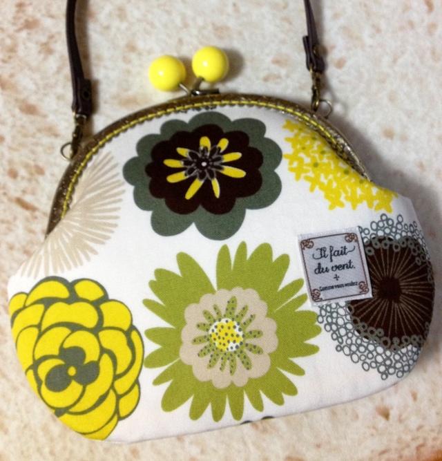 北欧デザイン風おしゃれな花柄*黄色げんこのがま口ポシェット