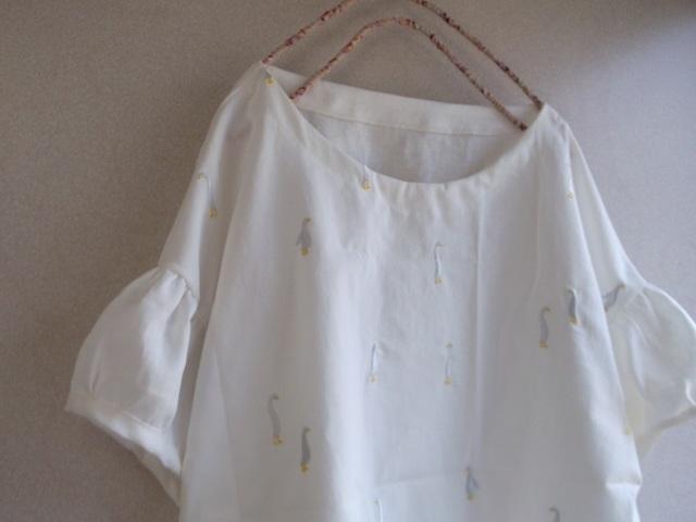 刺繍リネンパフ袖ブラウス(ラスト1点))
