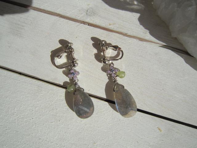 宝石質 ラブラドライトのイヤリング