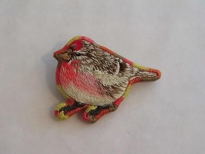 ベニヒワの刺繍ブローチ(鳥) *送料無料*