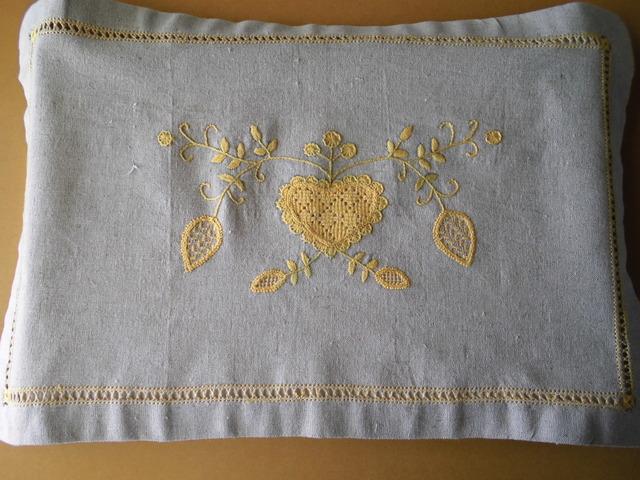 リネンクロス刺繍 縁取り 2