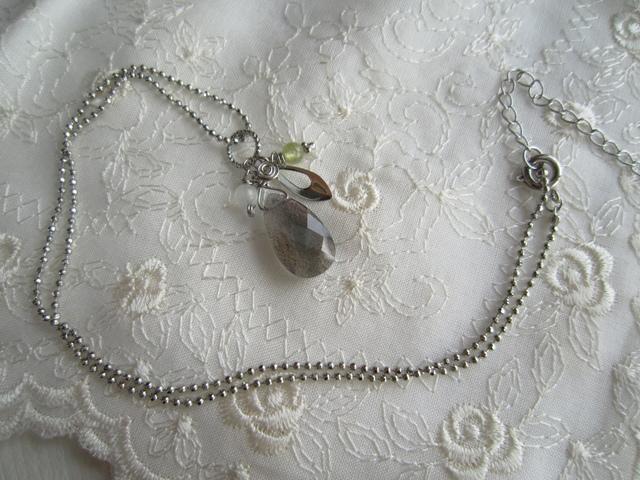 宝石質 ラブラドライトのネックレス