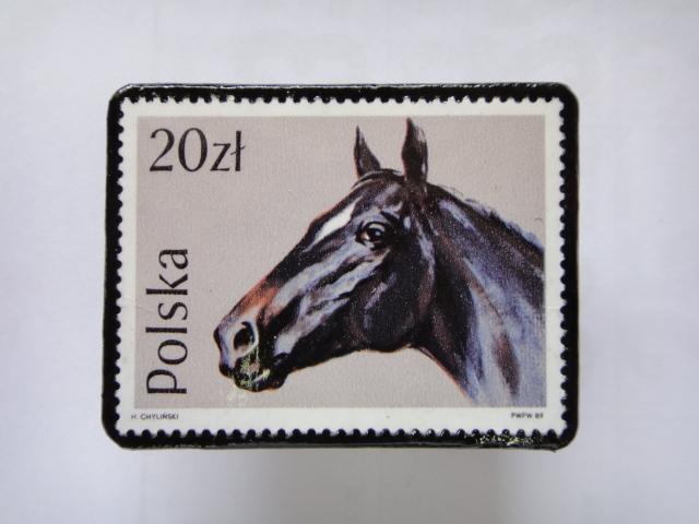 ポーランド 馬切手ブローチ1380