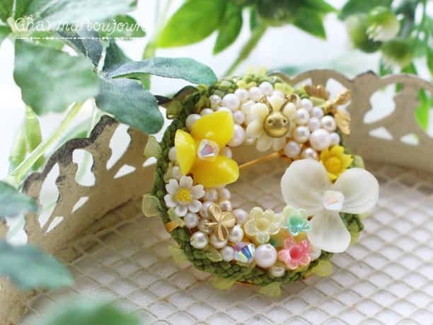 〔ブローチ〕野草の草冠リースブローチ(小)
